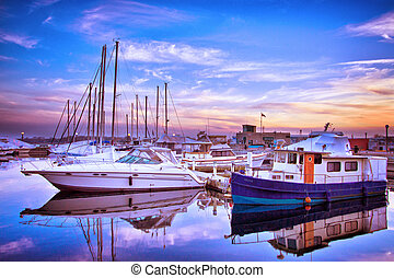 Toronto Yacht Club - View of Toronto Yacht Club with...