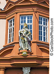 figure of a knight at the entrance of the Gutenberg Museum...