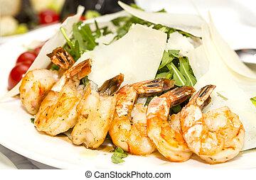 arugula dish with shrimp