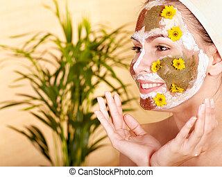 Clay spring facial masks at home . - Natural homemade clay...