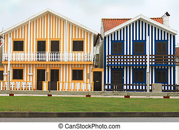 Costa Nova striped fishermen's houses - Costa Nova colorful...