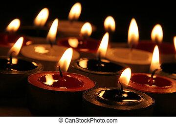 Many Xmas Tea Candles