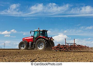 agricultor, arar, campo, cultivar, trator, campo, vermelho,...