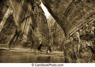 Paria River Canyon, Utah - Beautiful sandstone canyon walls...