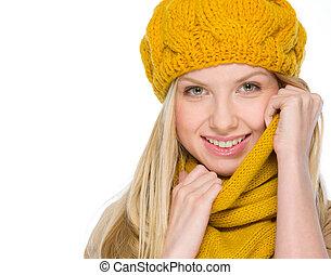 retrato, sonriente, niña, otoño, ropa
