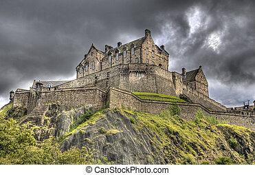 Edinburg Castle - Edinburgh Castle on Castle Rock in...