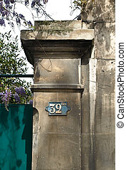House gates and number