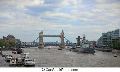 Tower Bridge London - Timelapse Tower Bridge with traffic on...