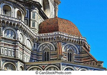 Basilica di Santa Maria del Fiore in Florence, Italy - view...