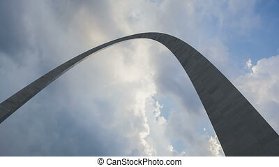 St. Louis Arch - Timelapse St. Louis Arch with dramatic...