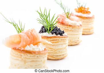 Massas, salmão, caviar, camarão