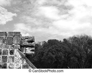 Chichen Itza Mayan Ruins - Mayan ruins of Chichen Itza in...
