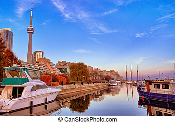 Toronto Yacht Club - View of Toronto Yacht Club with CN...