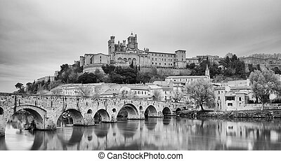 Beziers - St. Nazaire Cathedral and Old Bridge of Beziers -...