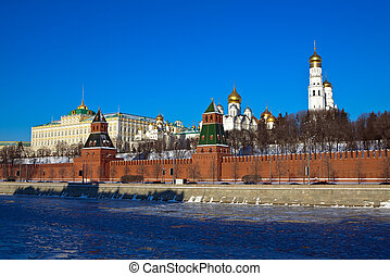 Moscow Kremlin in winter day. Russia - View of Moscow...