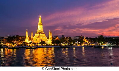 BANGKOK TEMPLE OF DAWN - TIME LAPSE - Wat Arun Temple Temple...