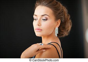 mujer, diamante, pendientes