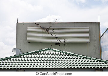 Broken Antenna and fall down