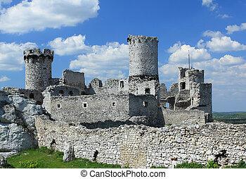 Ogrodzieniec. Poland. - The old castle ruins of Ogrodzieniec...