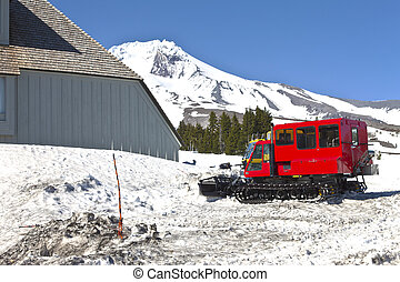Snow plows at Timberline lodge Oregon. - Snow plows machines...