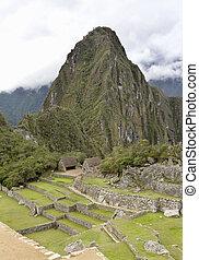 653 Overview of Machu Picchu Inca ruins Peru - Overview of...