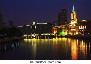 Shanghai Bund European ancient buildings of night - Shanghai...
