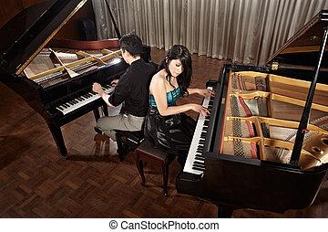 pianos, dúo