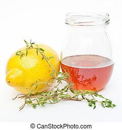 Cold Remedy of Honey and Lemon