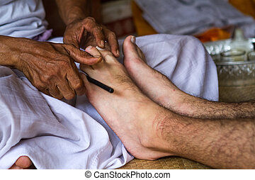 Balinese healers hands to massage your legs - Balinese...