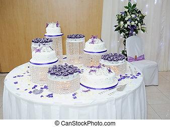 Extreme wedding cake