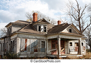 Old Abandoned house - Old abandoned house needing repairs...