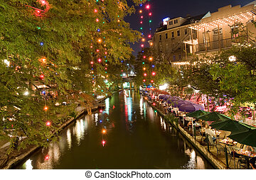 San Antonio, TX - Restaurants on San Antonio riverwalk