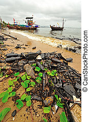 Oil spill Contaminated Beach - Oil spill Contaminated Beach...