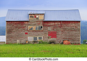 Old weathered barn in Stowe Vermont - Old weathered barn...