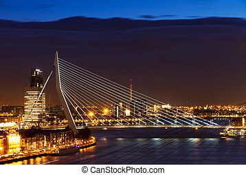 Dark Erasmus bridge - Beautiful image of the famous Erasmus...