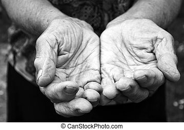 Old hands - Old female hands in black and white