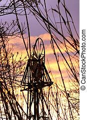 Windrad im gegenlicht twilight windmill