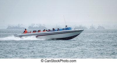 the speedboat on ballestas islands