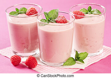 Yoghurt quark razberry dessert - Yogurt quark raspberry...