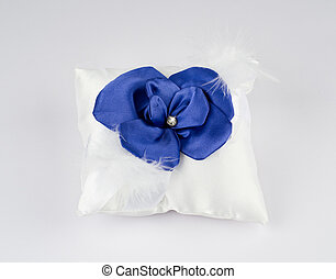 Beautiful pillow for wedding rings - Exquisite pillow for...