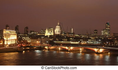 st pauls cathedral, at night