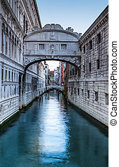 Ponte dei Sospiri in Venice, Bridge of Sighs - Bridge of...