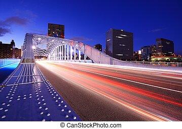 Bridzs, Tokió