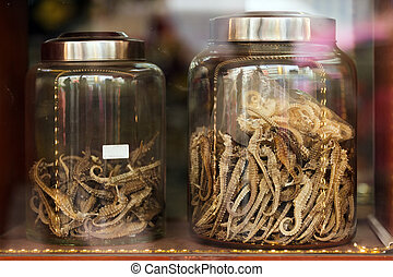 Seahorse in Chinese drugstore - Dried seahorse in Chinese...