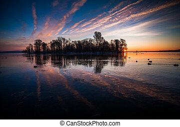 lake - sunrise at the Wannsee in Berlin