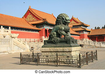 Forbidden city dragon statue