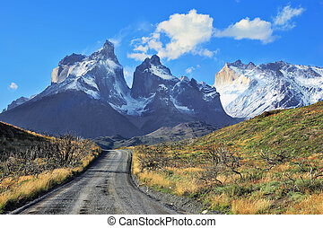 Dreamland Patagonia. Snow-covered cliffs of Los Cuernos, to...