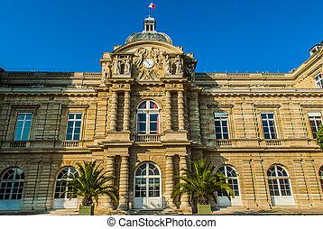 senat jardin du luxembourg paris city France