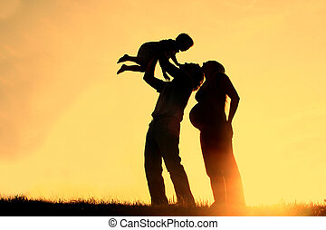 Family Silhouette Sunset - Family at Sunset Silhouette