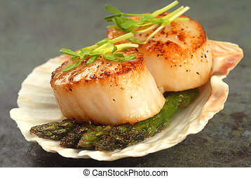 Sea Scallop with asparagus in a scallop shell - Delicious...